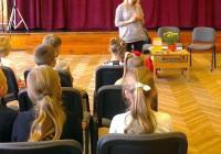 1.-4.klases tikšanās ar dzejnieci Ivetu Skapsti
