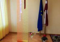Svitenes skolā svin Latvijas simtgadi