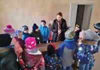 """1.b klase """"Skolas somas"""" ietvaros apmeklē Bauskas pils muzeju"""